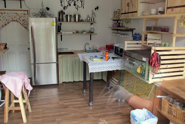 8 Inch Pizza Kitchen @Jira Wasa