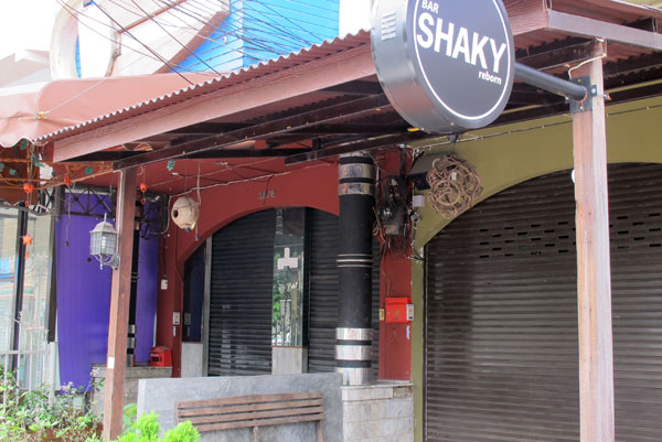 Bar Shaky