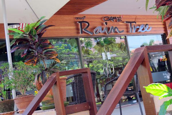 Cafe' Rain Tree