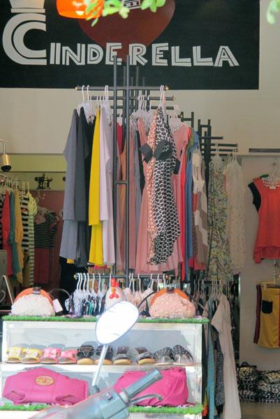 Cinderella (Clothes Shop)