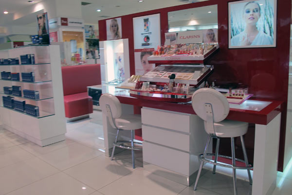 Clarins @Robinson @Central Airport Plaza