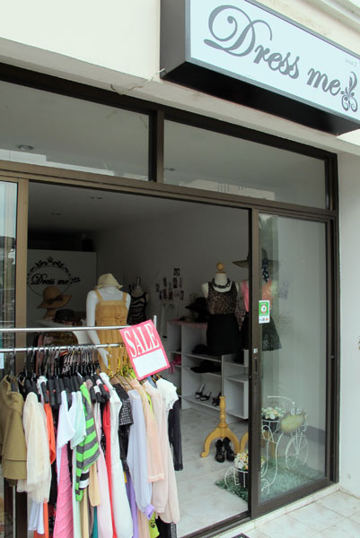 Dress me (Clothes shop)
