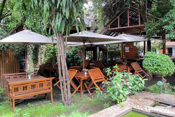 Garden Bar (@Lotus Hotel)