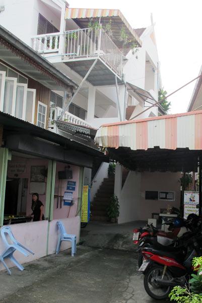 Kun Ya House Chiang Mai