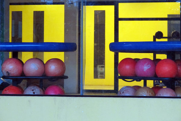 Lanna Bowling Center