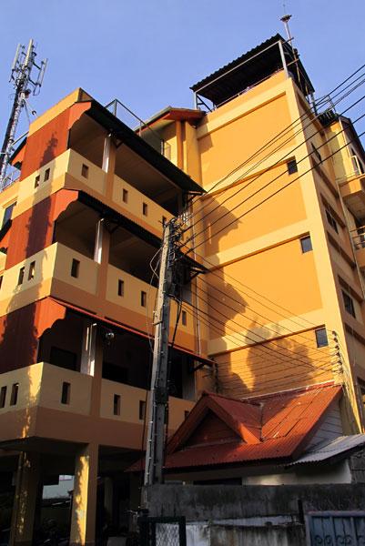 Lanna Moon Apartments