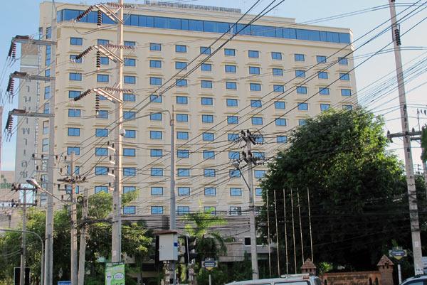 Lanna Palace 2004 Hotel
