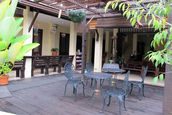 Na Thapae Hotel