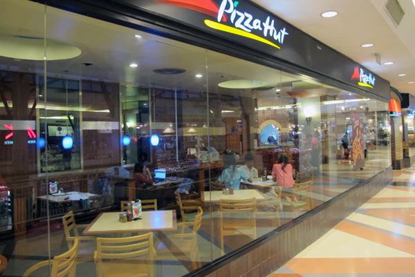 Pizza Hut @Central Airport Plaza
