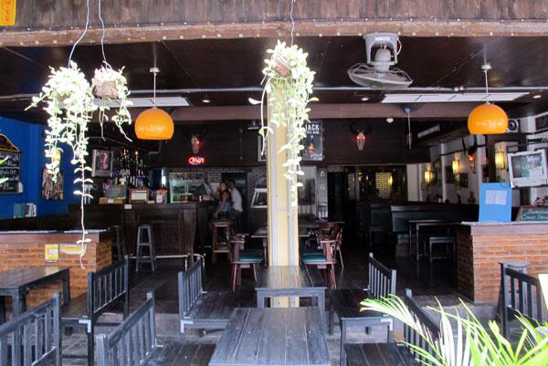 Queen Victoria Pub & Restaurant