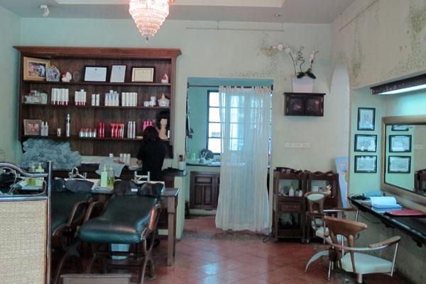 Salon Du Guru