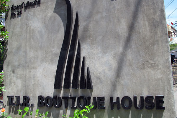 TJR Boutique House