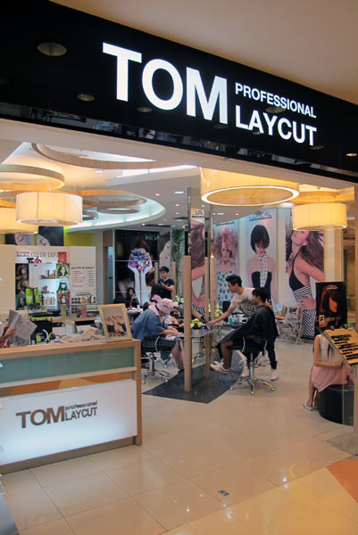 Tom Laycut Professional @Central Airport Plaza