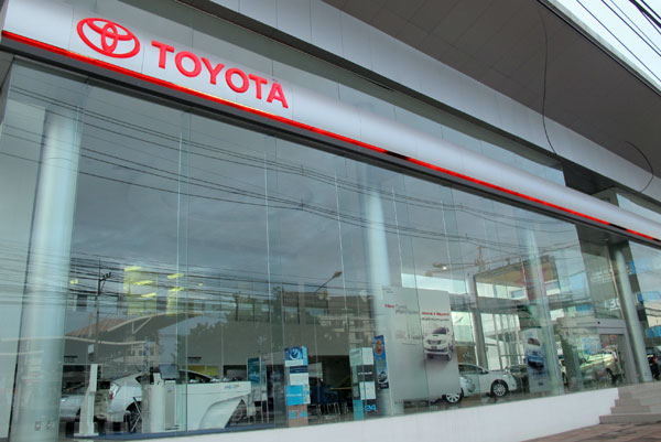 Toyota Chiang Mai' photos