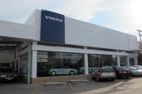 Volvo (Chiang Mai - Lampang Superhighway)