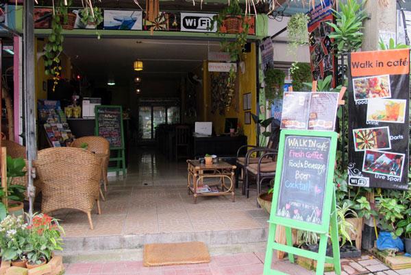Walk in Cafe