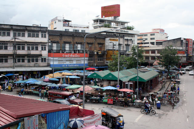 Warorot Market in Chiang Mai - Shopping in Chiang Mai ...