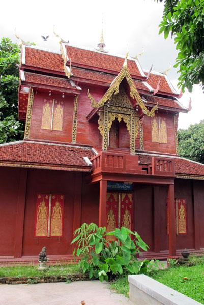 Wat Chai Sri Phoom