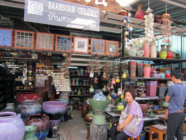 Baansuan Ceramic @Kamthieng Flower Market