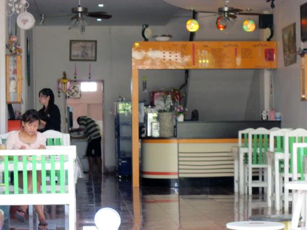 Caffe In (Santisuk Rd)