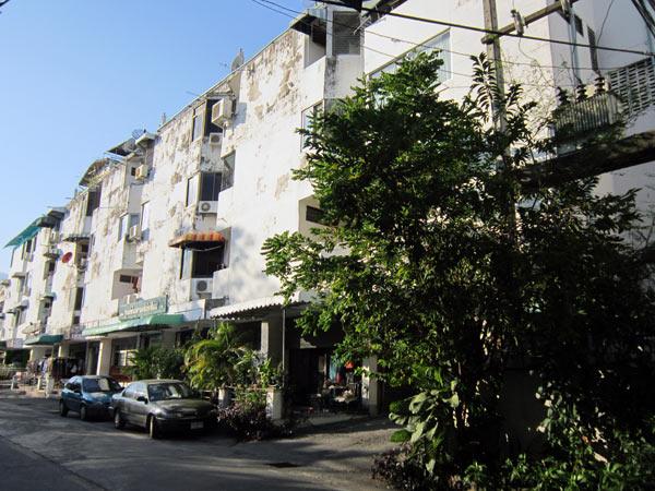 Chiangmai Condominium (Nimmanhaemin Soi 11)