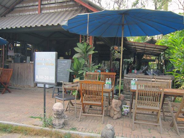 Collina @Kamthieng Flower Market