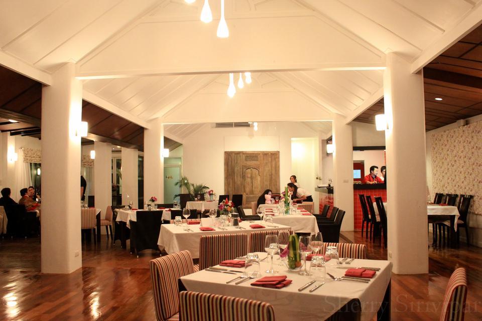 David S Kitchen 909 Restaurant Wine Bar Chiang Mai