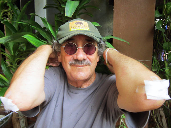 Dennis Hands-Reader @Thamel Coffee
