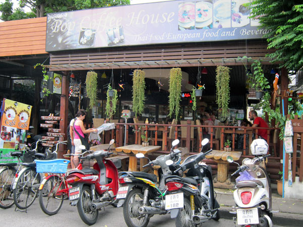Pop Coffee House - Petchmee Cafe
