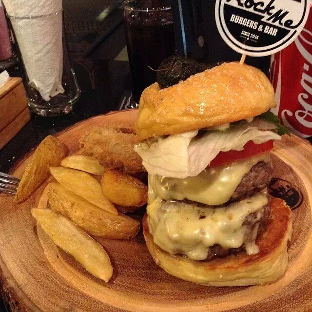 Rock Me Burger & Bar