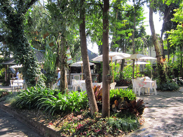 The Garden Cafe @Changpuak Hotel