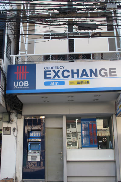 UOB Currency Exchange (Ratchadamnoen Rd)