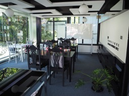 9W Bed & Co-Working space