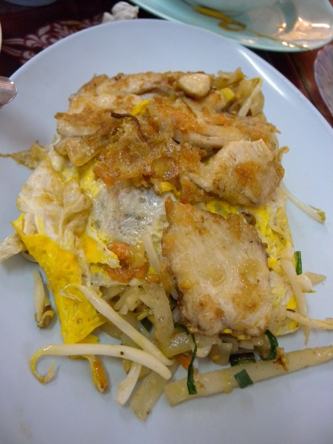 Local Thai food in Chiang Mai: Shaw Lae Restaurant