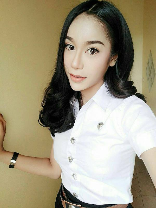 Thai university students sell sex
