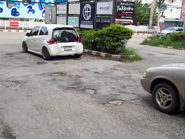 Sudden areas of poor roads in Chiang Mai