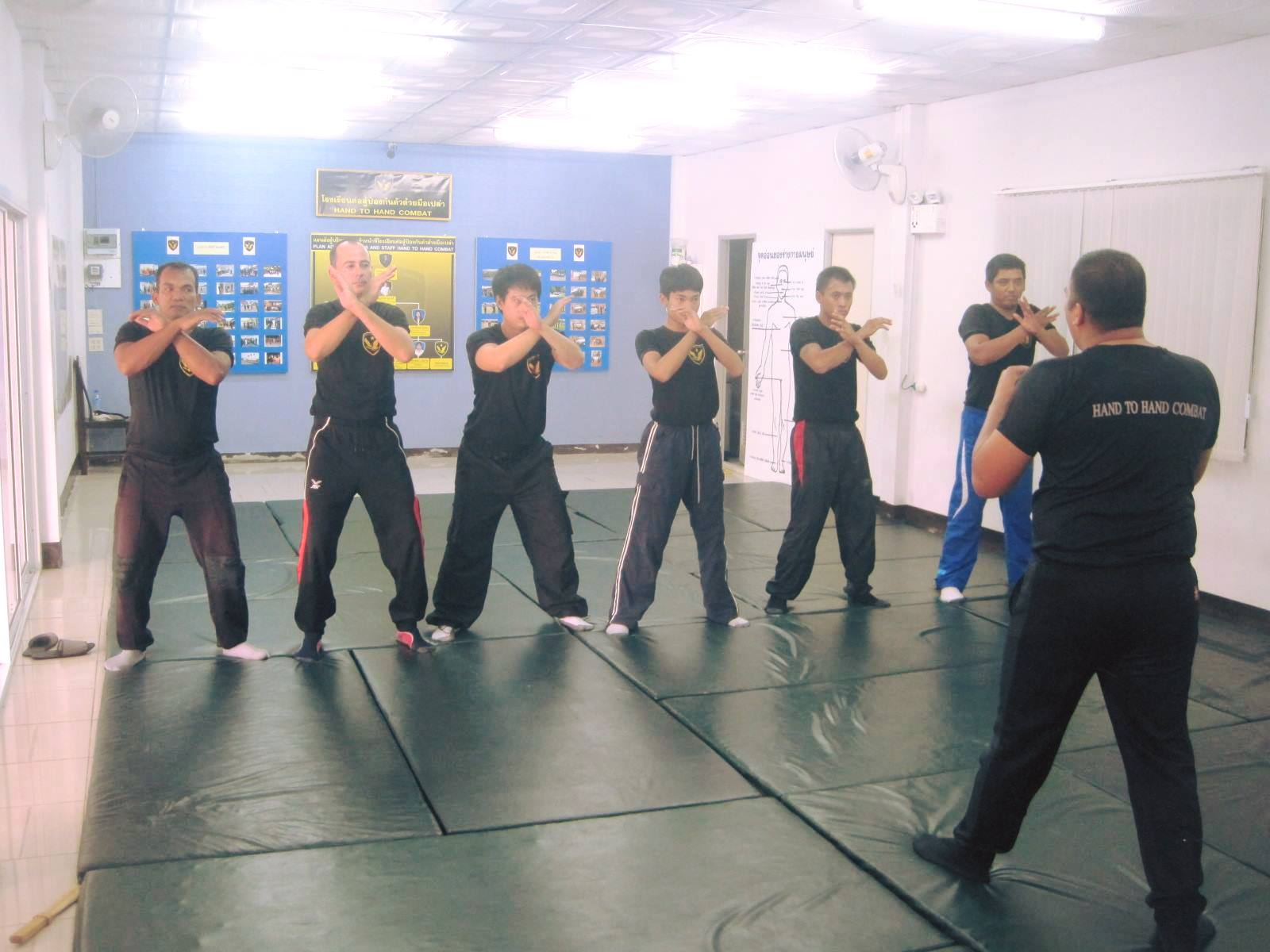 Train to learn how to defend yourself during one year in Thailand and get a 1-year Education Visa