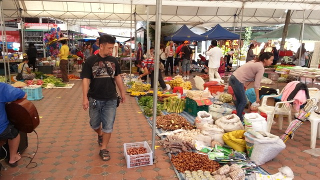 Local mountain and Shan market in Chiang Mai